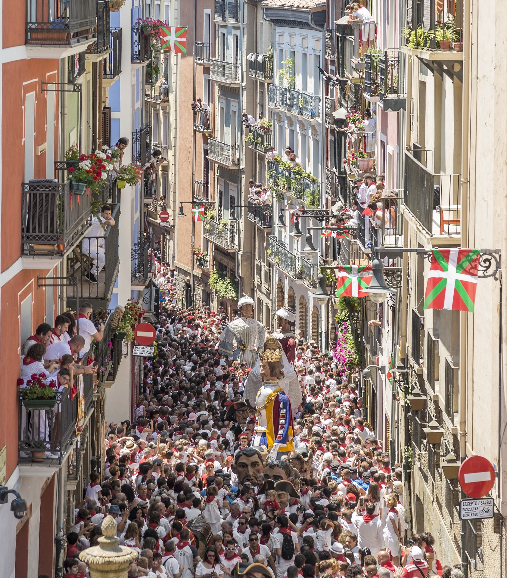 Come to Spain to San Fermines party and to learn Spanish in InterLenguis